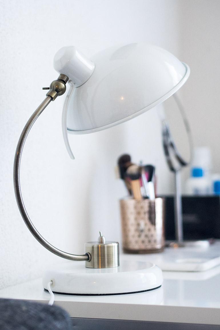 Pöytälamppu - Ellos