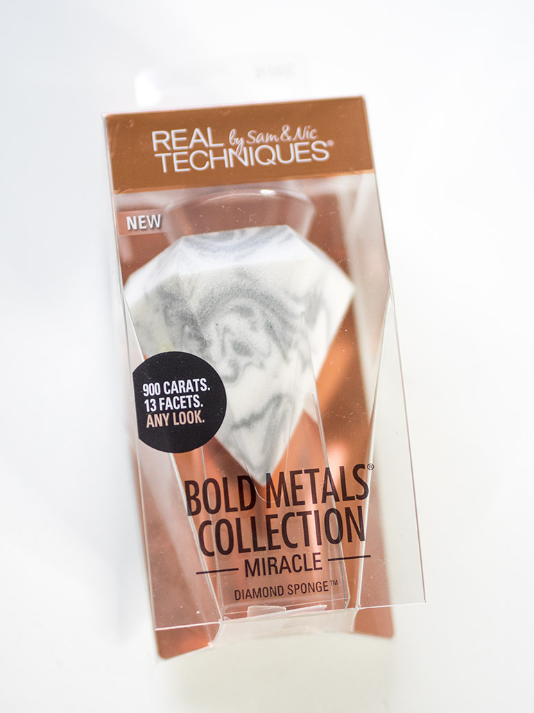 Real Techniques Bold Metallics Miracle Diamond Sponge