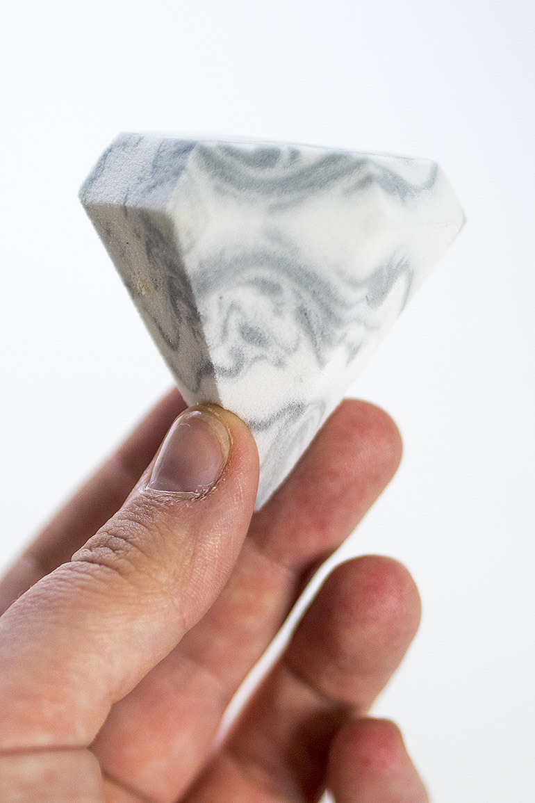 Real Techniques Bold Metallics Miracle Diamond Sponge