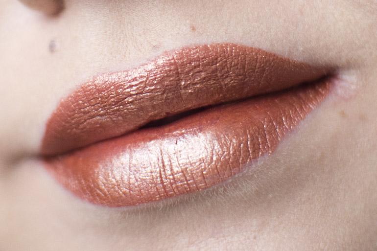 Jeffree Star Velour Liquid Lipstick Pussy Whipped swatch