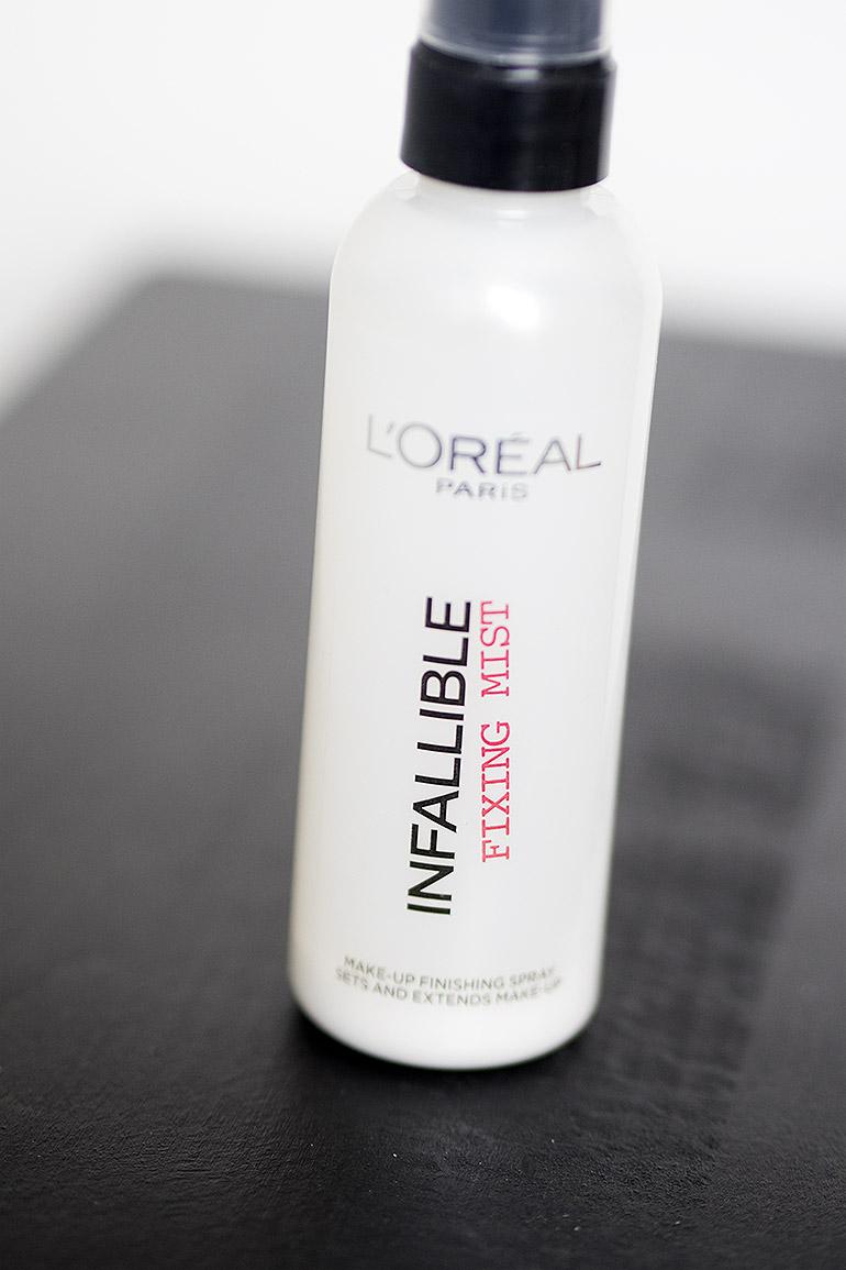 L'Oréal Infallible Fixing Mist meikinkiinnityssuihke