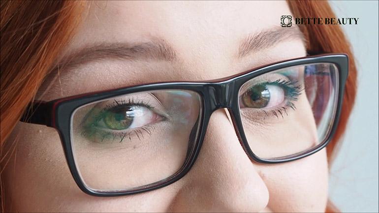 Bette Beauty arkimeikki silmälaseille