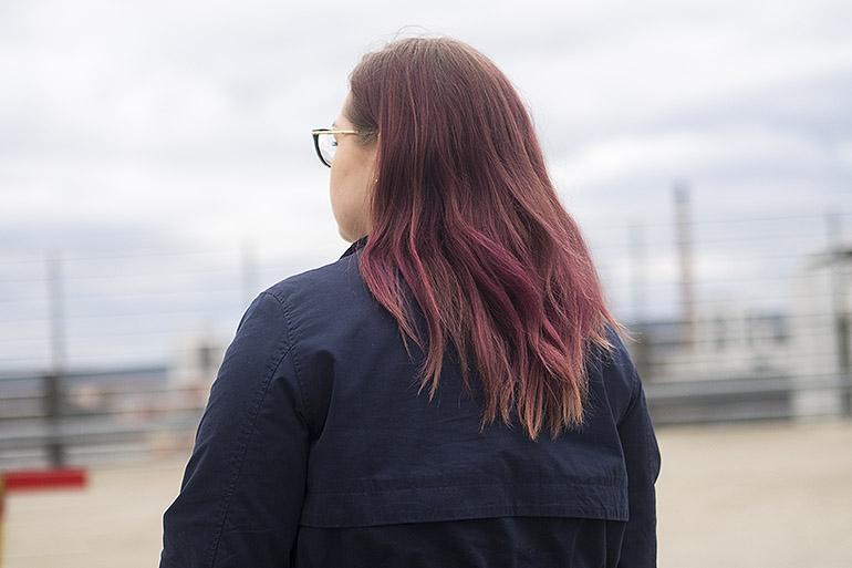 Violettien hiusten haalistuminen