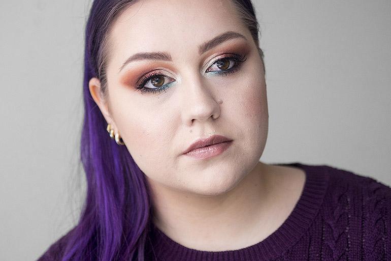 Kauneusbloggaajien meikkihaaste: Ystävänpäivä by Revolution x Kisu -paletti