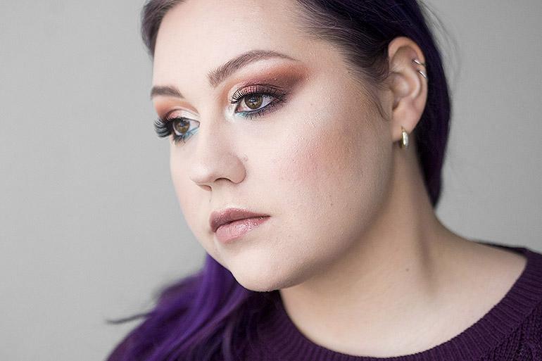Kauneusbloggaajien meikkihaaste: Ystävänpäivä by Revolution Kisu -paletti