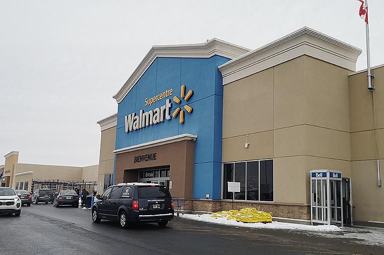 Kosmetiikkashoppailu Montrealissa Walmart