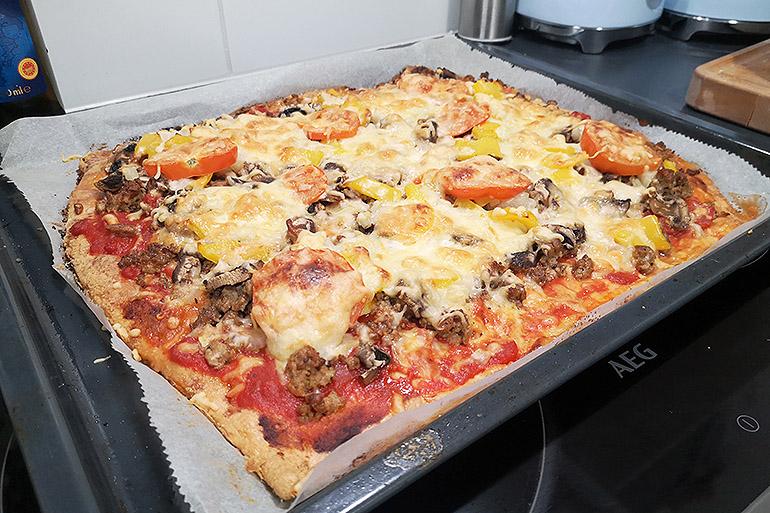 Resepti: Paras ketogeeninen pizzapohja Koskenlaskijalla - nam!