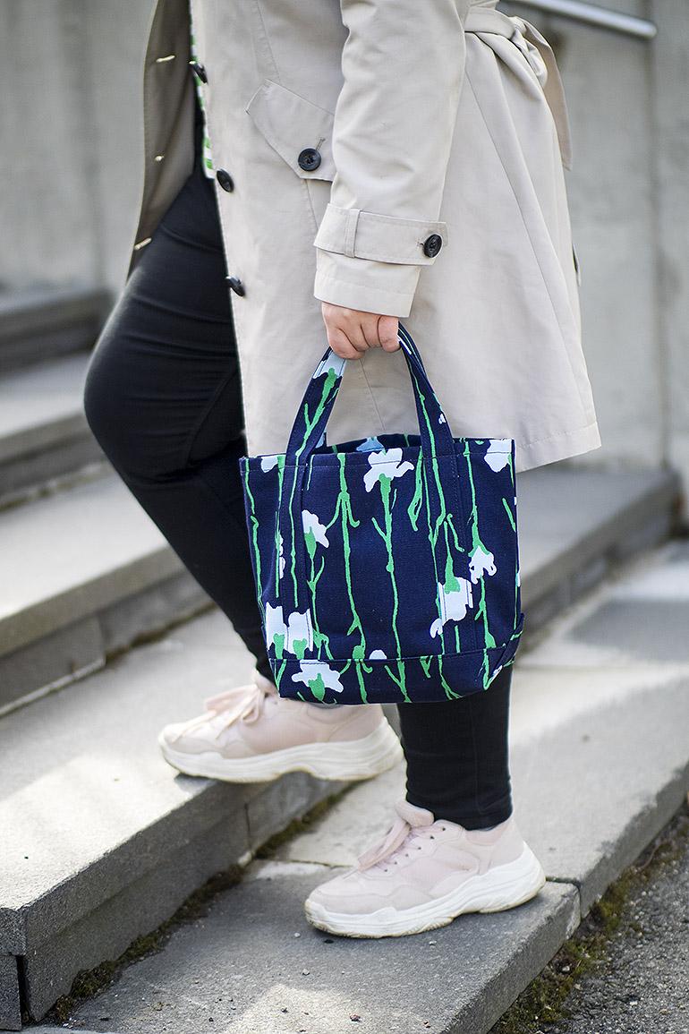 Marimekko Seidi Viivakukka laukku