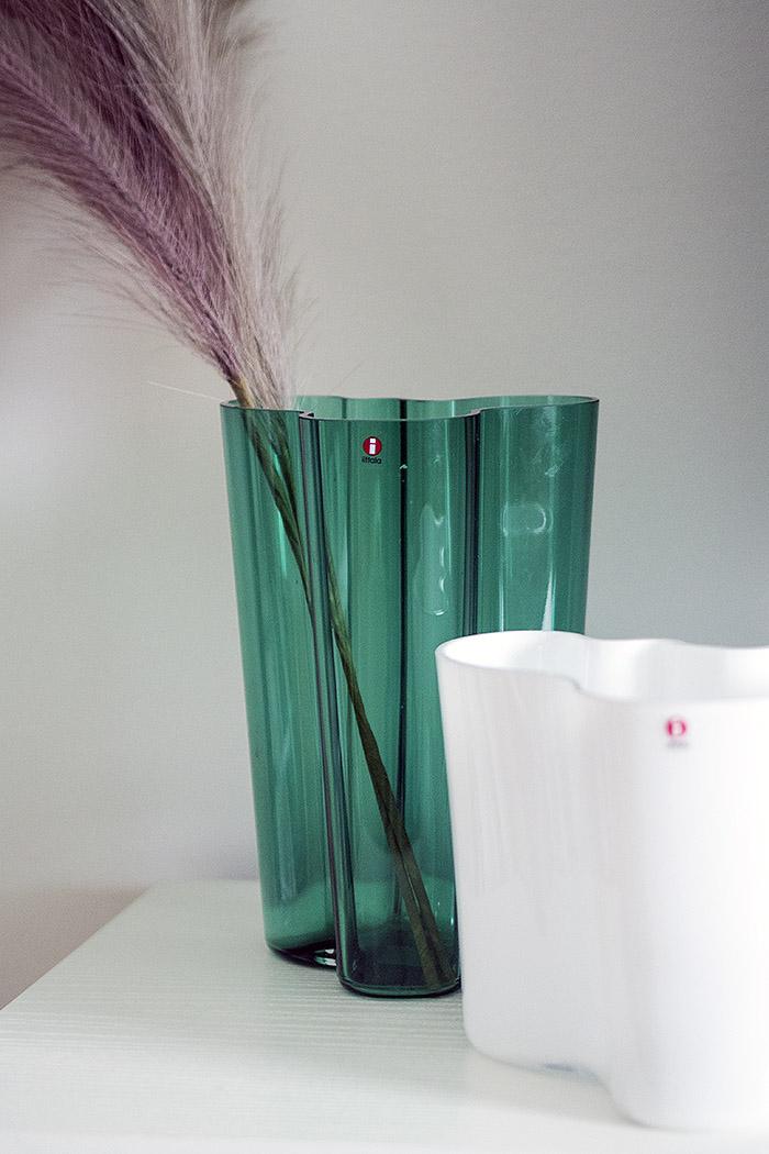 Iittala Alvar Aalto Maljakko Smaragdi 251mm 160mm valkoinen