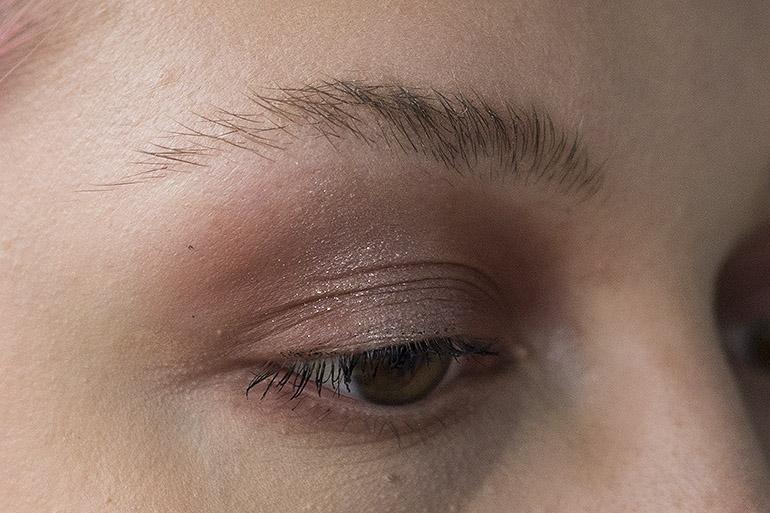 Lumene Longwear Eyebrow Definer -kulmakynä ilman
