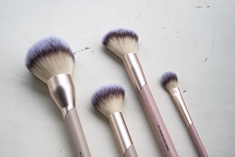 FLAER-meikkisiveltimet